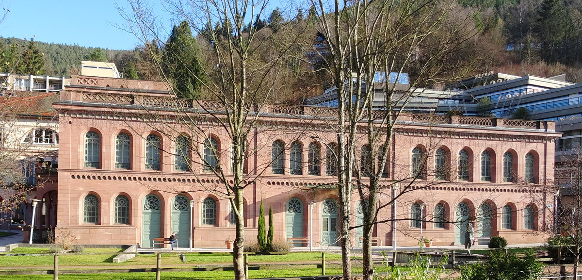 La zone piétonne de Bad Wildbad et le Palais Thermal